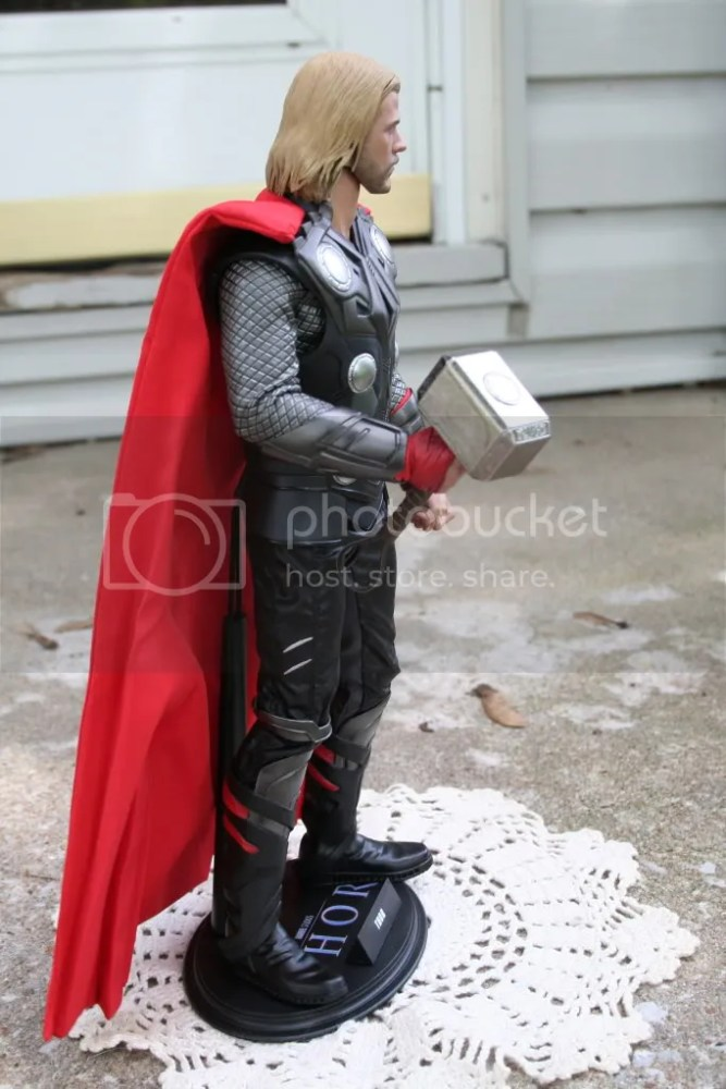 Hot Toys Thor 1:6th Figure Review (3/6)