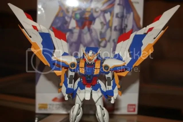 This even allows his backback upside down! HAhahahahah just kidding this is not recommended because your Wing will look retarded XD