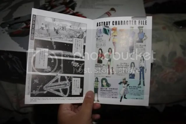 They also give english translations at the bottom of each page! Super awesome! Bandai did something right this time woo~