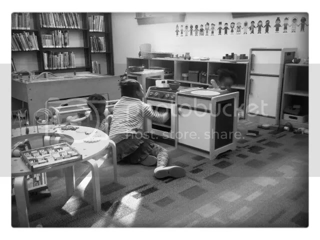 Set: Classic,Filter: B&W,Vignette: Small Black,Frame: Sq. White,Snapbucket,Library 2