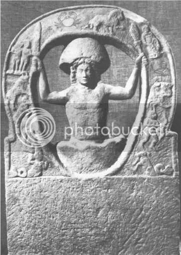 Mithras Sæcularis-saindo do ovo cósmico-Newcastle Museum of Antiquities