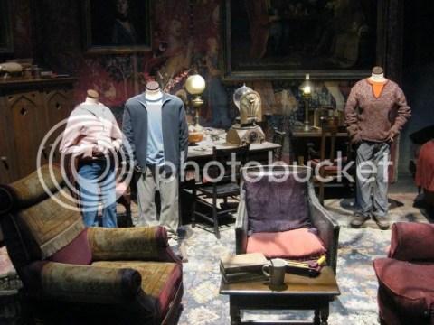 Inside Gryffindor Common Room~ photo 166526_10151056669856209_1243712598_n.jpg