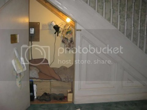 Harry's bedroom back in Privet Drive. photo 250612_10151056657541209_1119909971_n.jpg