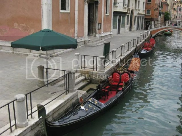 All-so-expensive-gondola-ride-which-my-wallet-protests-against photo 295306_10151092582336209_154076204_n.jpg