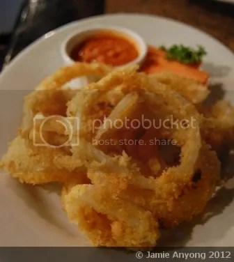 Dillingers_onion rings