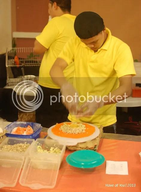Levante_Maria's Ilocos Empanada staff photo DSC_0315_zps32fa7354.jpg