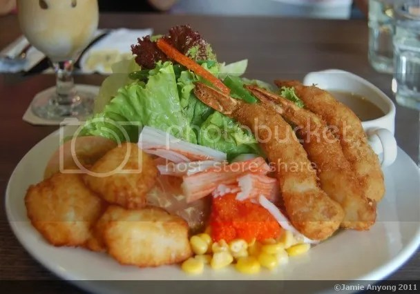 UCC_seafood salad