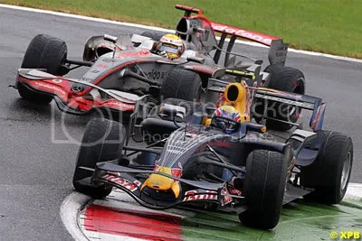 Mark Webber ahead of Lewis Hamilton