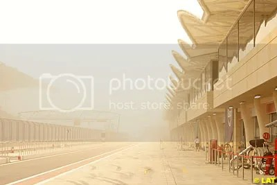 Testing might as well be abandoned as a major sandstorm has hit the Sakhir circuit again