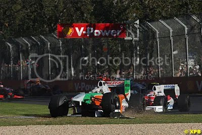 As predicted, many cars ended up breaking those massive front wings