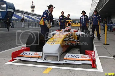 Wide front wing - Renault R29