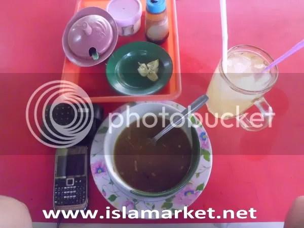makan dulu sebelum acara TALKSHOW BIOTERRA GORO ASSALAM SURAKARTA