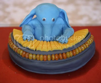 Max Rebo rocks the cake