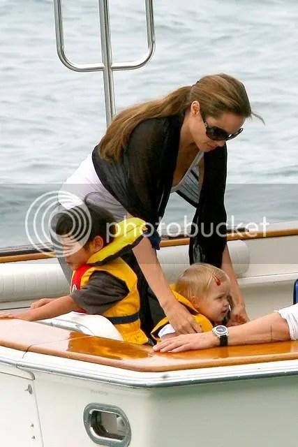 jolie-pitt boat ride