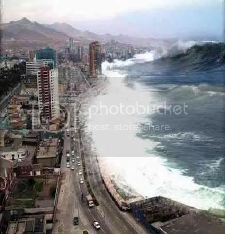 Tsunami wave Pictures, Images and Photos