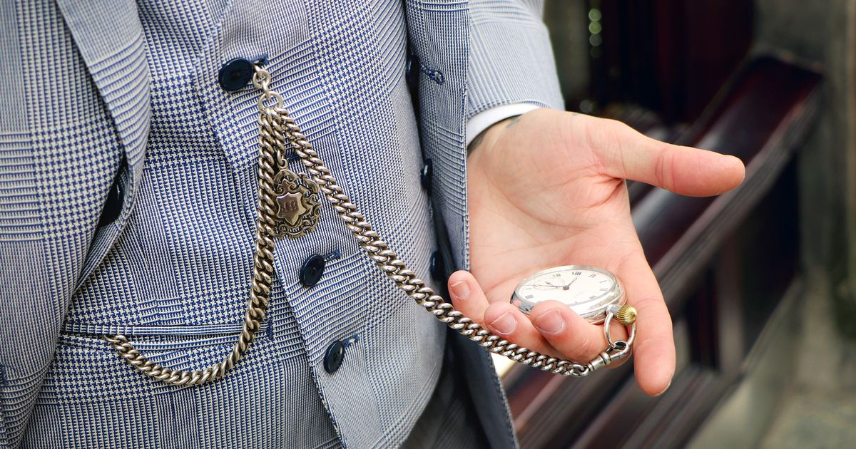 Peaky Blinders Leads To Shortage Of Pocket Watches As Men
