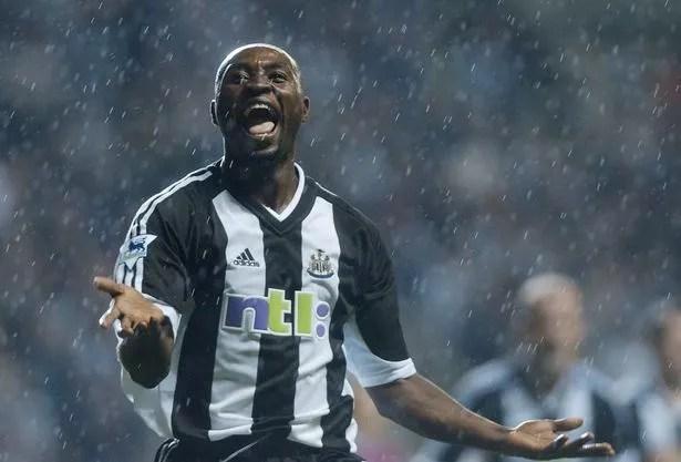 Lomana LuaLua celebrates against West Ham