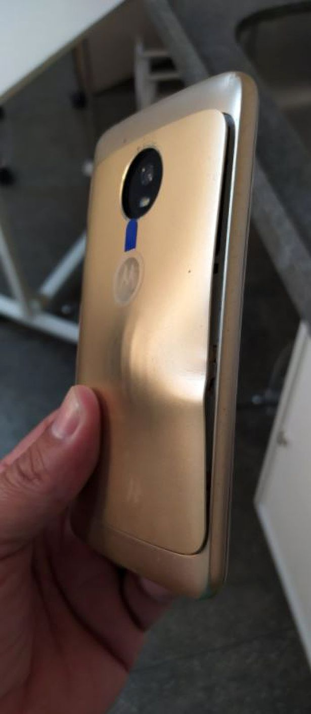 The mobile phone was damaged after stopping the bullet