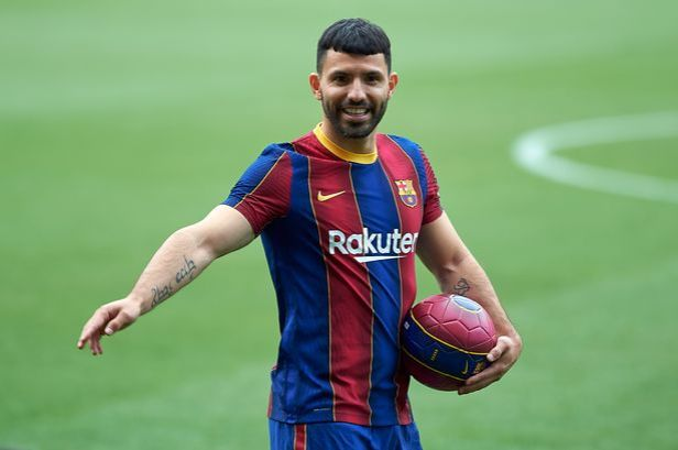 Former Chelsea target Sergio Aguero only joined Barcelona on a free transfer in the summer. (Photo by DAX Images/NurPhoto via Getty Images)