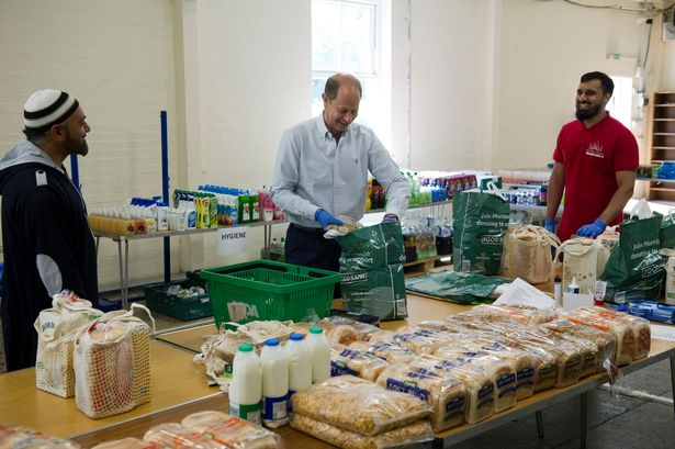 The Earl and Countess of Wessex joined volunteers from the Shah Jahan Mosque in Woking.