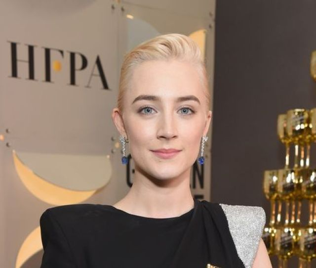 Saoirse Ronansaoirse Ronan To Take On Lesbian Role Alongside Kate Winslet In New Filmronan 24 Will Play A Young Wealthy London Woman Sent To Live By The