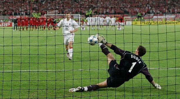 Jerzy Dudek saves Shevchenko's penalty
