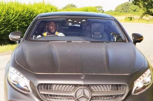 0 ECE 08 MAN UNITED FRIDAY - Romelu Lukaku arrives for Manchester United training as transfer talks continue