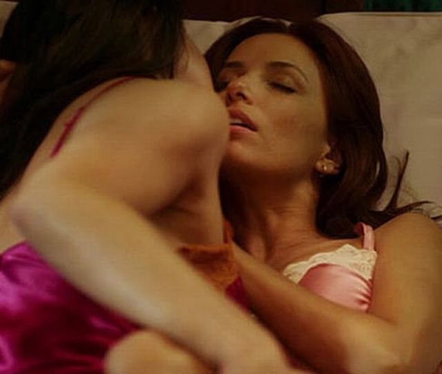 Eva Longoria Kisses Female Co Star In Sexy Scene From New Film Without Men