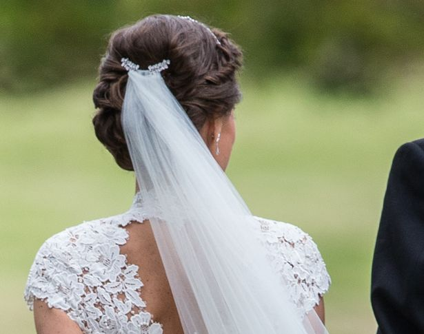 How To Get Pippa Middletons Wedding Day Hair In 6 Simple