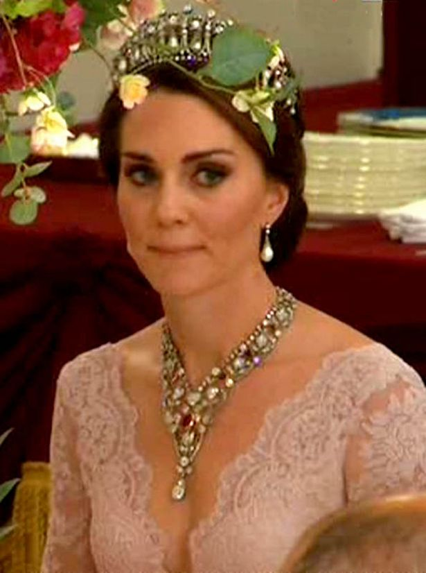 battle   royal tiaras kate middleton  queen