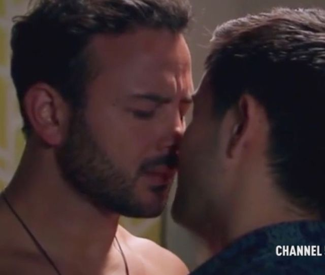 Ex Coronation Street Actor Ryan Thomas Praised By Neighbours Fans For Gay Sex Scene Mirror Online
