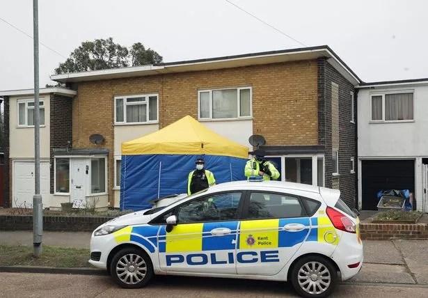 https www mirror co uk news uk news breaking body found search sarah 23667298