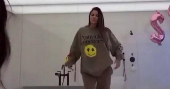 "Khloe Kardashian raises ""impossible standards"" set for her after an unordered image goes viral"