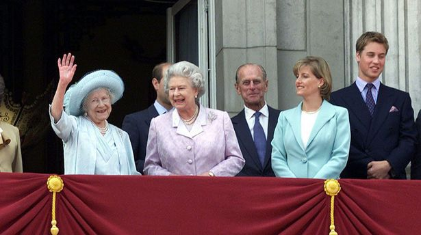 The Queen mother on the balcony of Buckingham Palace with members of her family