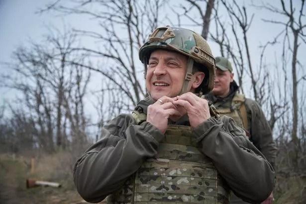 Prezydent Ukrainy Wołodymyr Zełenski na froncie z rosyjskimi separatystami w obwodzie mariupolskim