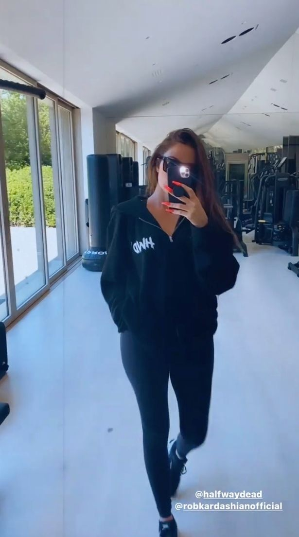 Khloe Kardashian removes diamond Tristan Thompson gave her after cheating allegations