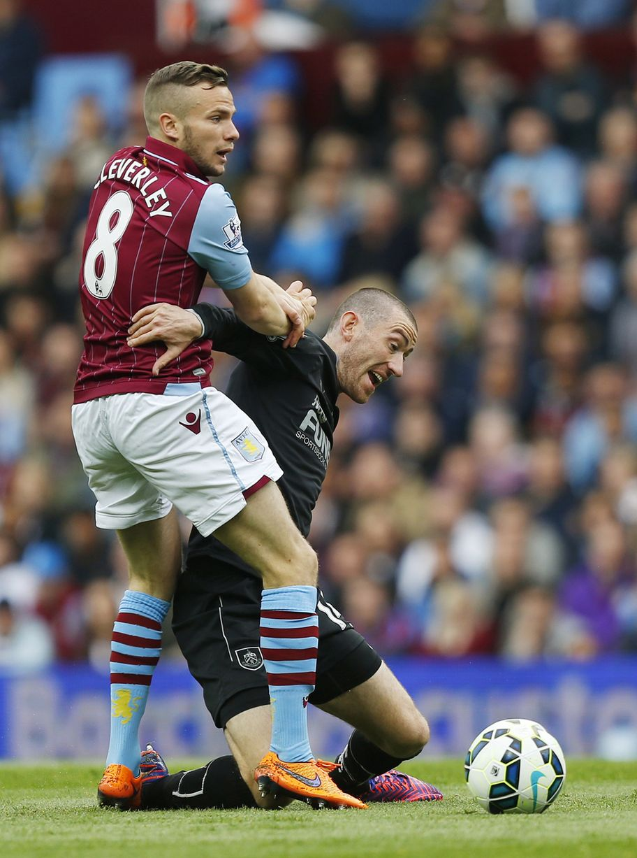 2015 Tom Cleverley Villa v Burnley Chelsea football