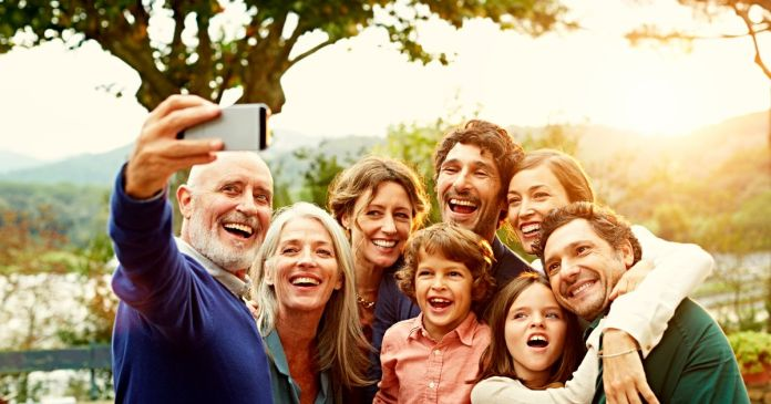 Poll reveals the 30 secrets to happy family life – and it's the simple  things that matter - Mirror Online