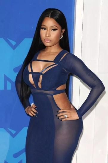 Nicki Minaj blasts Kanye West for dating 'Gold Digger white girl' Kim Kardashian - Mirror Online