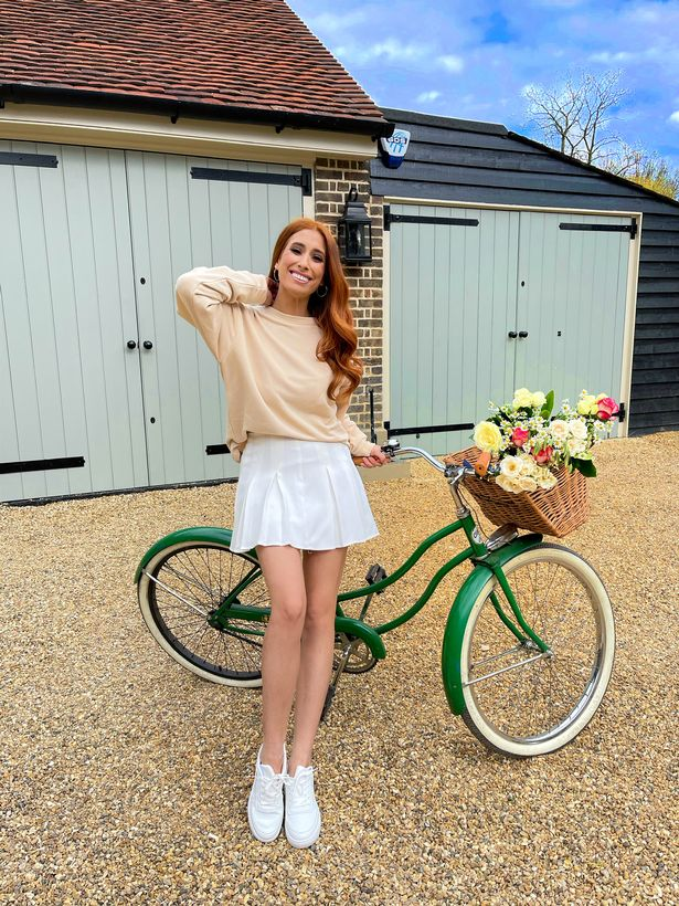 Stacey Solomon reveals a dream wedding dress when she admits she's lagging behind on big daily plans