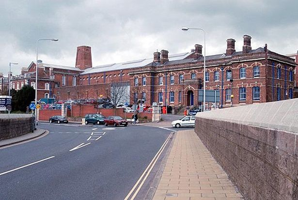 Fancy - Salmon fishcakes and halal roast chicken leg bordelaise are on the menu at Exeter Prison at Christmas