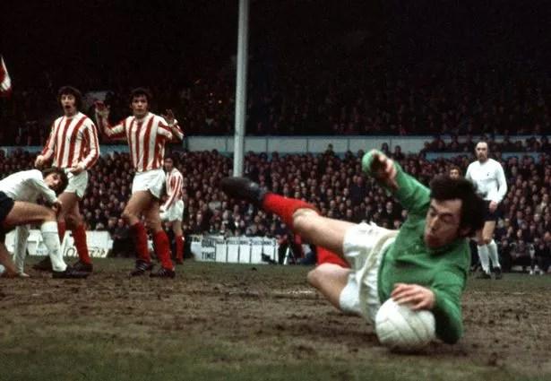 Image result for Gordon Banks no gloves