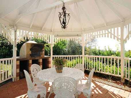 Gazebo with views at Glen Alpine, Toowoomba Qld