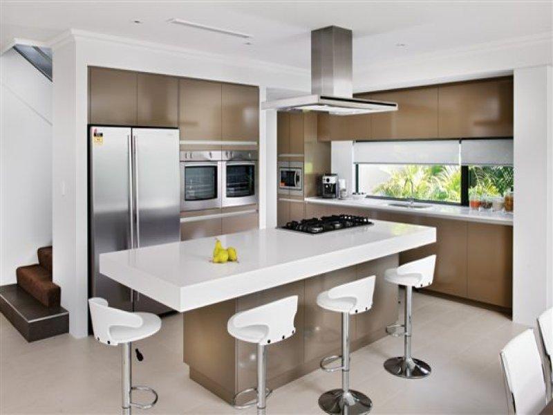 Modern island kitchen design using marble - Kitchen Photo ...
