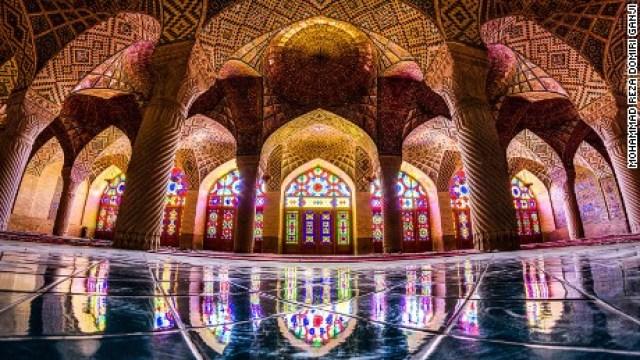 Nasir-al--mulk-mosque,-Shir