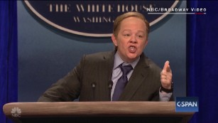 Sean Spicer has a problem: Melissa McCarthy