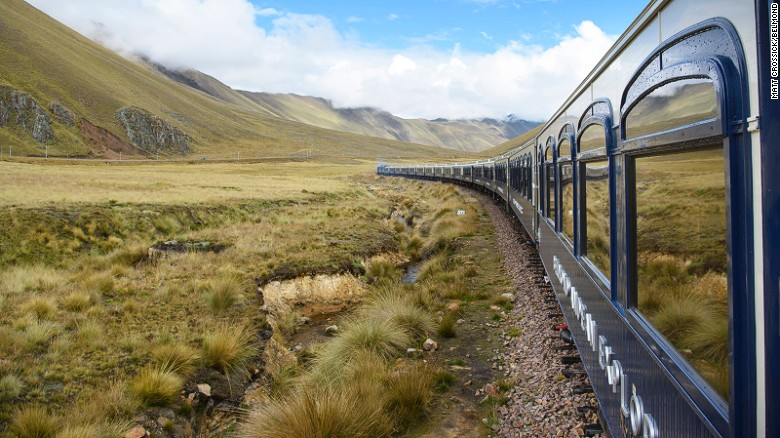 At 14,000 feet, La Raya valley is the highest point of the journey.