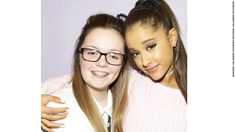Victim Georgina Callander, left, pictured with Ariana Grande.