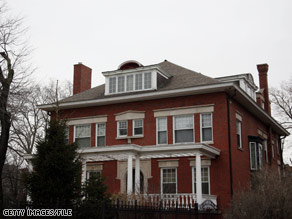 Sen. Obama purchased land from Chicago businessman Tony Rezko in order to enlarge the yard next to this house.