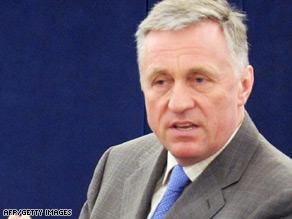 Czech prime minister Mirek Topolanek addresses deputies at the European Parliament.